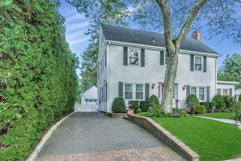Amazing 19 Kilburn Rd, Garden City, NY 11530. House For Sale