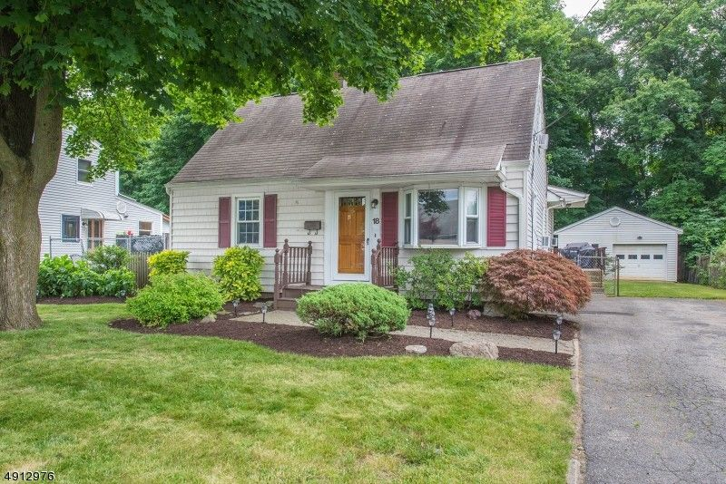 18 5th Ave Haskell, NJ 07420