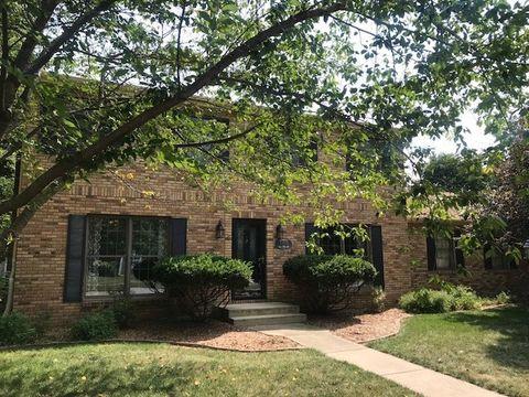 1319 Broadmoor Dr, Champaign, IL 61821
