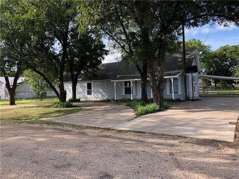 504 Pecan St, Forreston, TX 76041