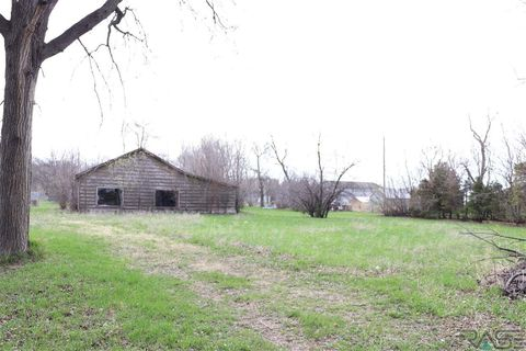 320 S Louise Ave, Worthing, SD 57077