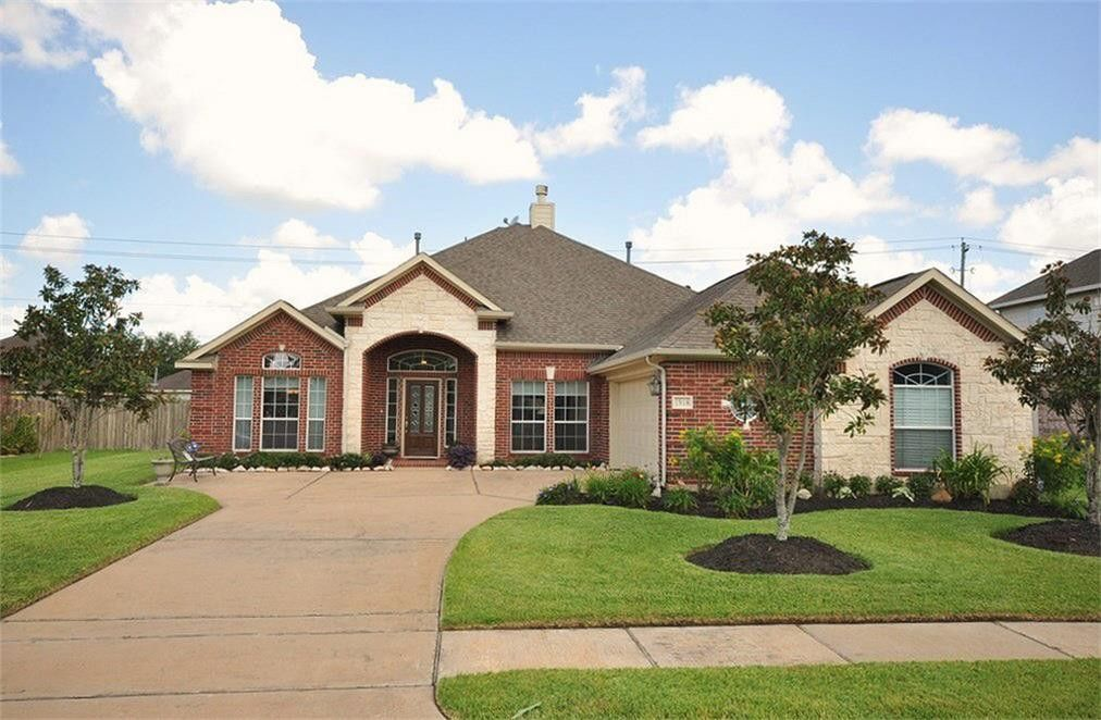 1918 Lost Lake Pl, Pearland, TX 77581