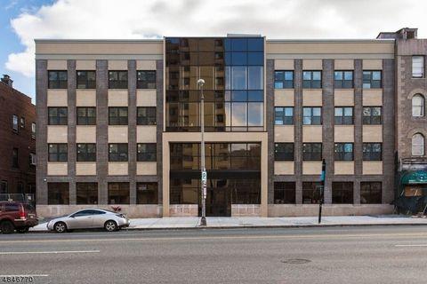 Photo of 90 Clinton Ave Unit 304, Newark, NJ 07114
