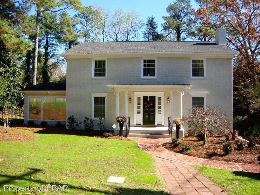 305 Woodcrest Rd, Fayetteville, NC 28305