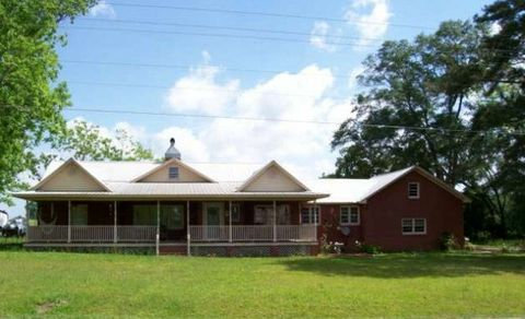 132 E Mulberry St, Moultrie, GA 31768