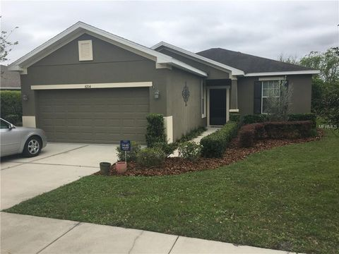 Photo of 6214 Twin Bridges Dr, Zephyrhills, FL 33541