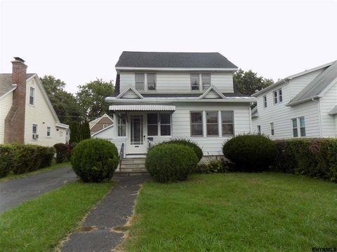 98 Crescent Dr, Albany, NY 12208