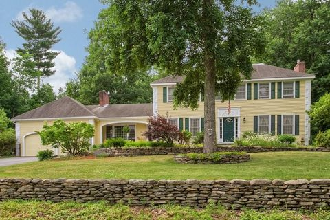 13 Independence Rd, Pepperell, MA 01463