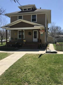 524 Johnston St, Gladbrook, IA 50635