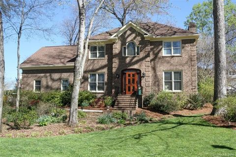 Photo of 549 Beacon Knoll Ln, Fort Mill, SC 29708