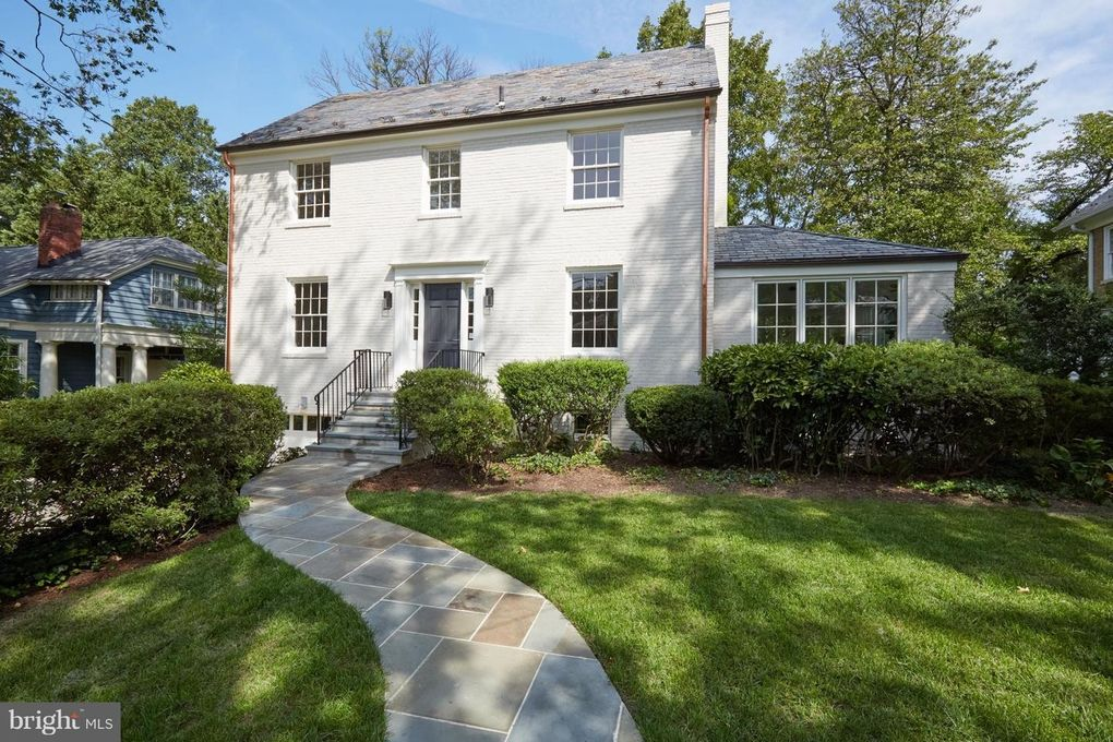 3901 Woodbine St, Chevy Chase, MD 20815