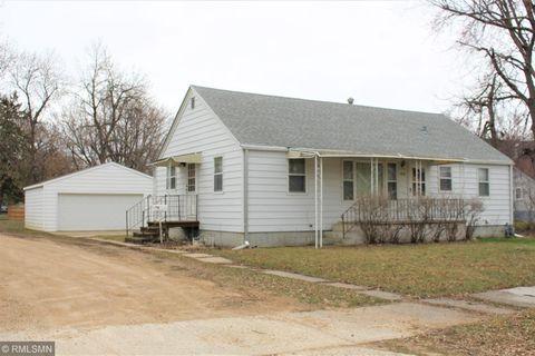 Photo of 1010 Rose Ave, Worthington, MN 56187
