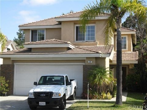 77 Carriage Dr, Lake Forest, CA 92610