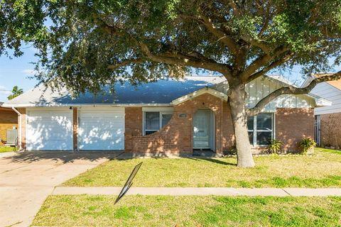 3022 Pine St, Galveston, TX 77551