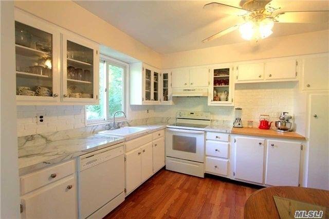 264 Melville Rd, South Huntington, NY 11746
