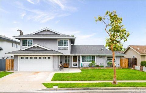 2820 San Juan Ln, Costa Mesa, CA 92626