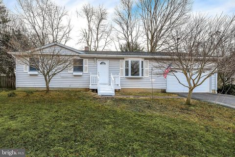 Photo of 1019 Courtland Dr, Sykesville, MD 21784