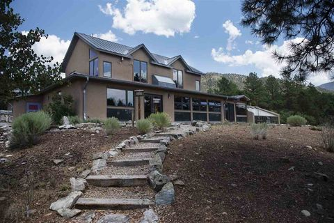 11 Turkey Springs Rd, Valdez, NM 87580
