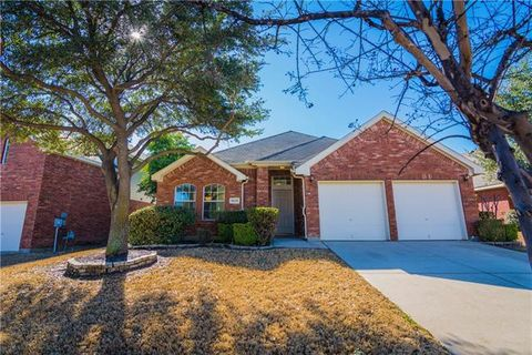 Photo of 4528 Gila Bend Ln, Fort Worth, TX 76137
