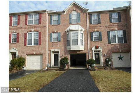 9702 Redwing Dr, Perry Hall, MD 21128