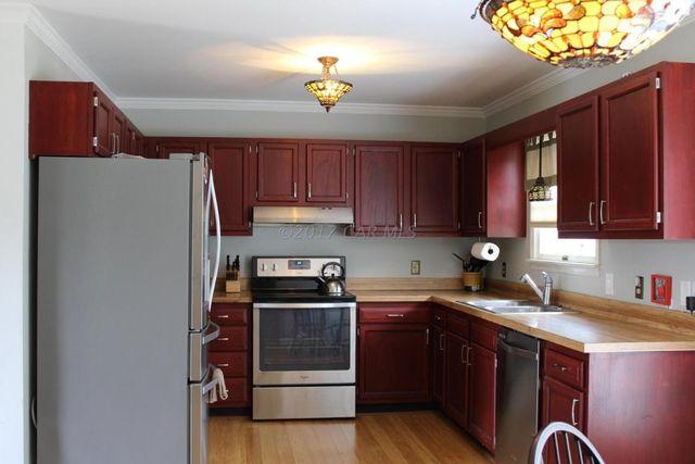 803 Lyndhurst Ln Salisbury Md 21804 Kitchen