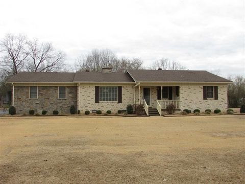 Photo of 200 Harrell St, McLemoresville, TN 38235