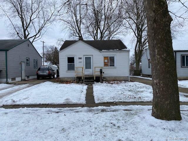 187 W Longfellow Ave Pontiac, MI 48340