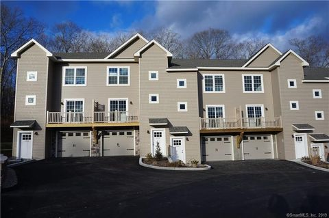 Photo of 64 Scotch Cap Rd Unit 160, Waterford, CT 06375