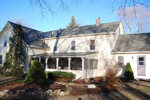 56 Marion Rd, Rochester, MA 02770