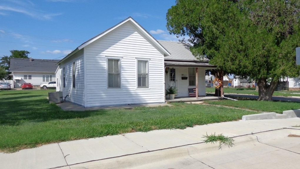 317 E 13th St Hays, KS 67601