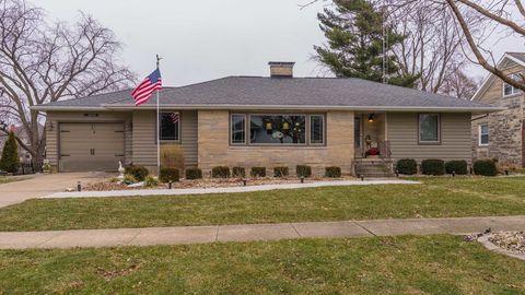 Photo of 615 Maple St, Chenoa, IL 61726