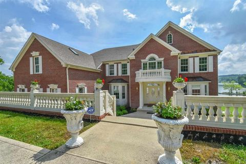 Photo of 7740 N Lakeview Dr, Unionville, IN 47468