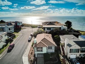 335 88th St, Daly City, CA 94015 - realtor com®