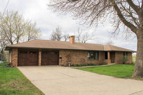 Photo of 413 W 2nd St, Lake Park, IA 51347