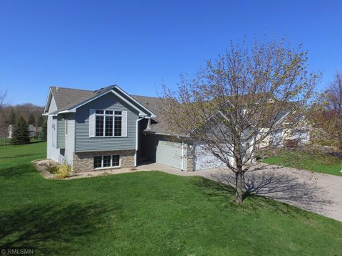 Photo of 1334 Rolling Oaks Dr, Hanover, MN 55341