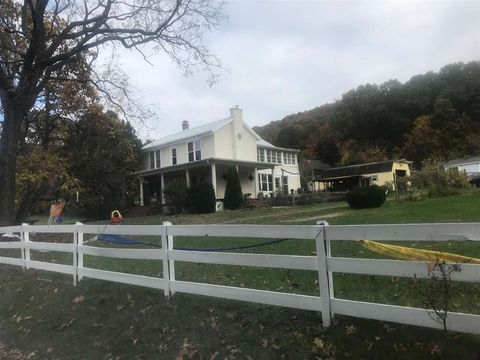 Photo of 174 Round Hill School Rd, Fort Defiance, VA 24437