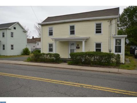 8 Main St, Englishtown, NJ 07726