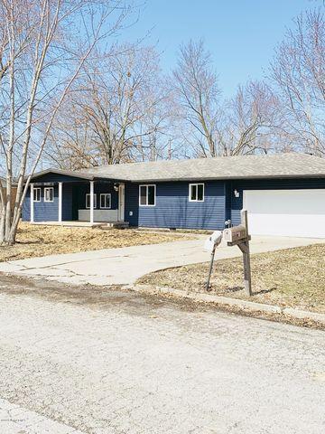 Photo of 123 Center St, Tipton, MO 65081
