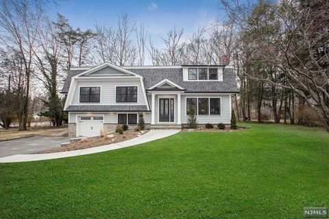 Photo of 6 Beechwood Pl, Harrington Park, NJ 07640