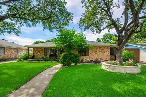 Photo of 8129 Woodhue Rd, Dallas, TX 75228