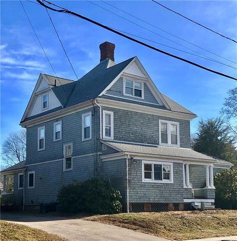 Photo of 184 Boon St, Narragansett, RI 02882