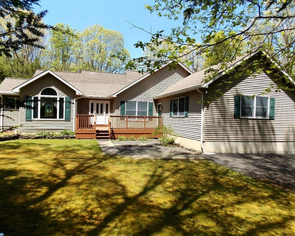 1865 Forest St Lehighton, PA 18235
