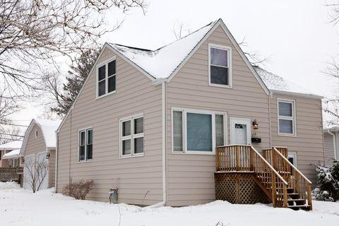 Photo of 228 E Vermont St, Villa Park, IL 60181