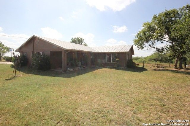 954 county road 140 floresville tx 78114 home for sale and real estate listing
