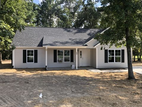 Photo of 32 Clipper Cir, Washington, NC 27889