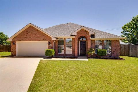 3620 Sutter Ct, Fort Worth, TX 76137