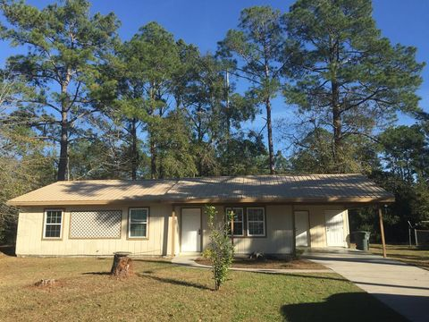 Photo of 206 Pineview St, Hinesville, GA 31313