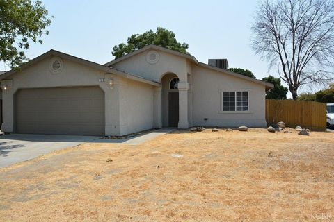 795 Marconi Dr, Hanford, CA 93230