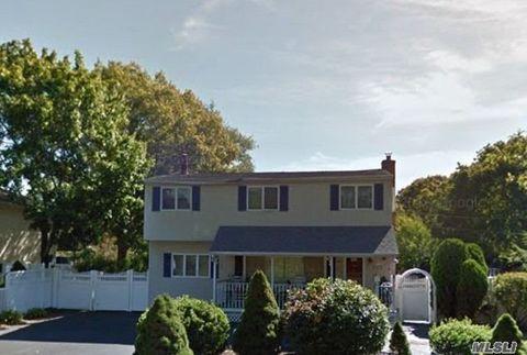 Photo of 1016 Merriam Rd, Bay Shore, NY 11706
