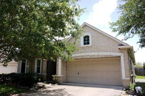Photo of 312 Marina Oaks Ct, Kemah, TX 77565